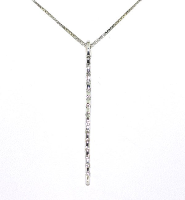 1016: DIAMOND PENDANT 18K