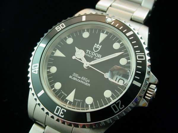1324: Midsize Rolex Tudor Submariner Date Watch NO RESE