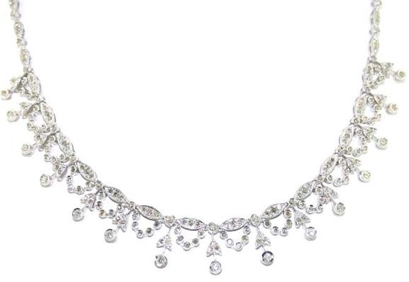 2012: 4.5 CT SI1-SI2 DIAMOND 18K 25 GR NECKLACE