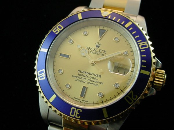 5620: 1998 ROLEX 18K/STEEL SUBMARINER WATCH FACTORY SER
