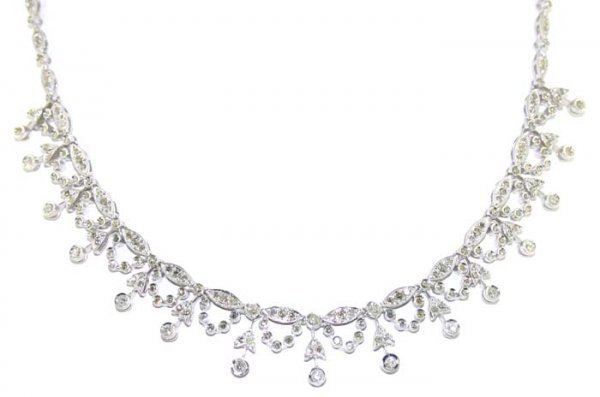 4012: 4.5 CT SI1-SI2 DIAMOND 18K 25 GR NECKLACE
