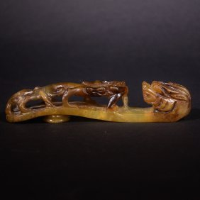 A Carved Hetian Jade Dragon Garment Hook