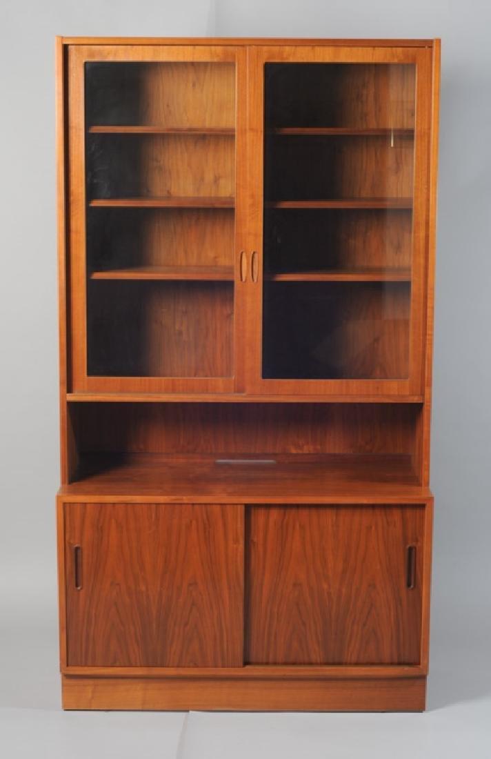 Vintage Hundevad Danish Modern China Cabinet