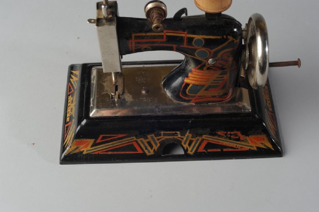 Vintage German Casige Child's Sewing Machine - 2