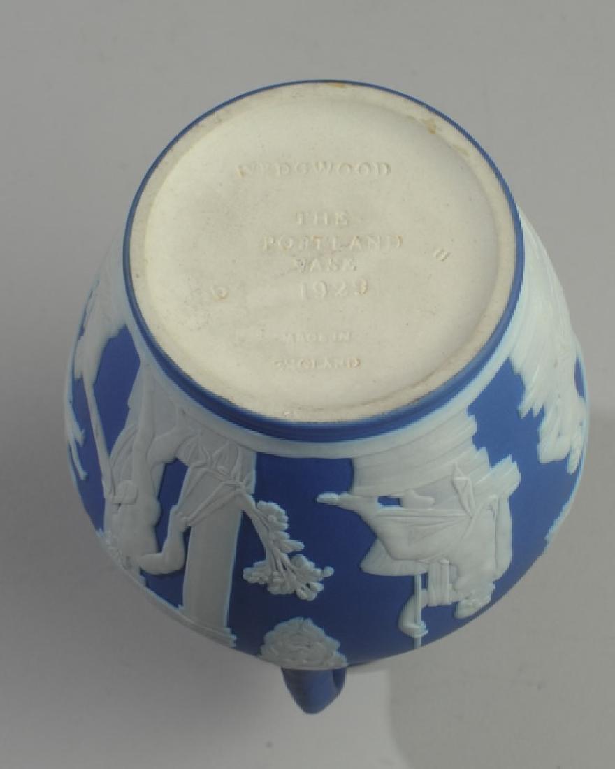 Wedgwood Dark Blue Jasperware Portland Vase - 4