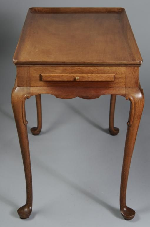 Biggs Mahogany Queen Anne Style Side Table