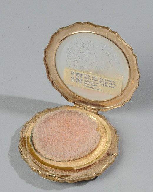 Vintage Stratton Compact - 3