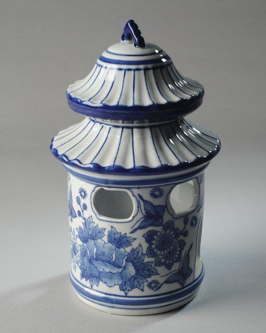 Porcelain Pagoda Shaped Bird Feeder