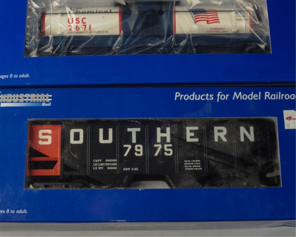 Lot of 5 Industrial Rail Cars O27 Scale - 4