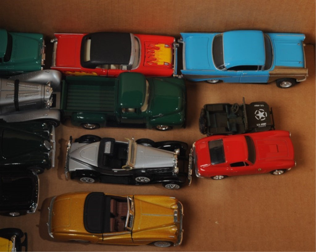 Mixed lot toy cars, Ertl, Road Champs, + - 2