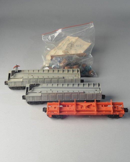 2x Postwar Lionel 356 225 Barrel Cars + 16636