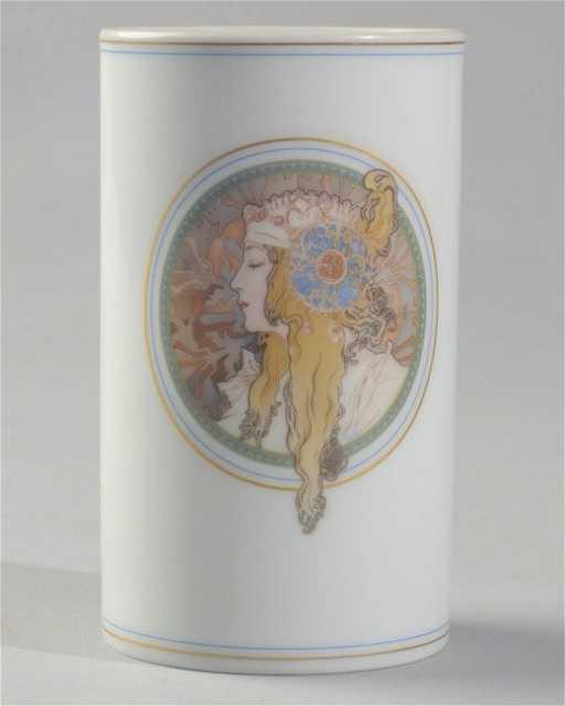 Hutschenreuther Alfons Mucha Vase
