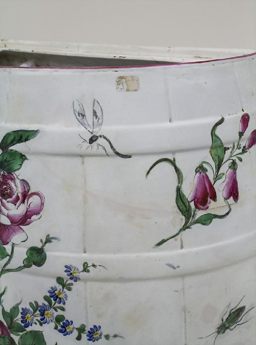 Lavabo und Deckelterrine / A lavabo and a tureen, wohl - 4