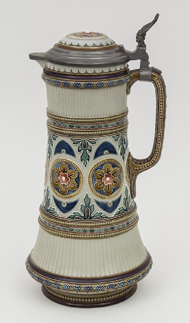 Schenkkrug mit Floraldekor / A jug with flowers,