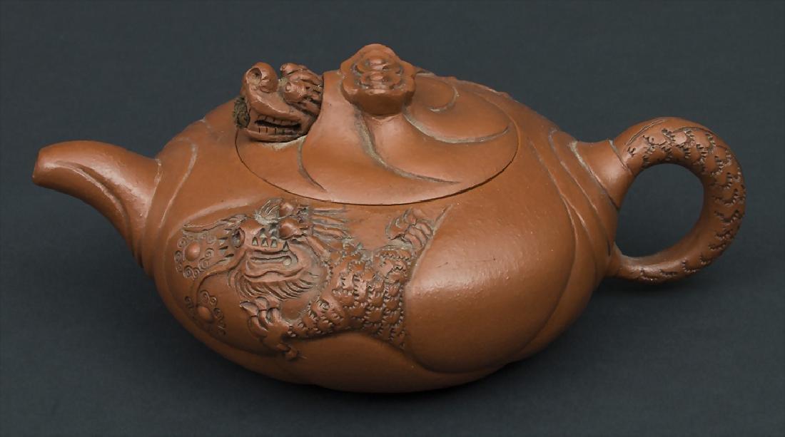 Teekännchen / A teapot, China, um 1920 Material:
