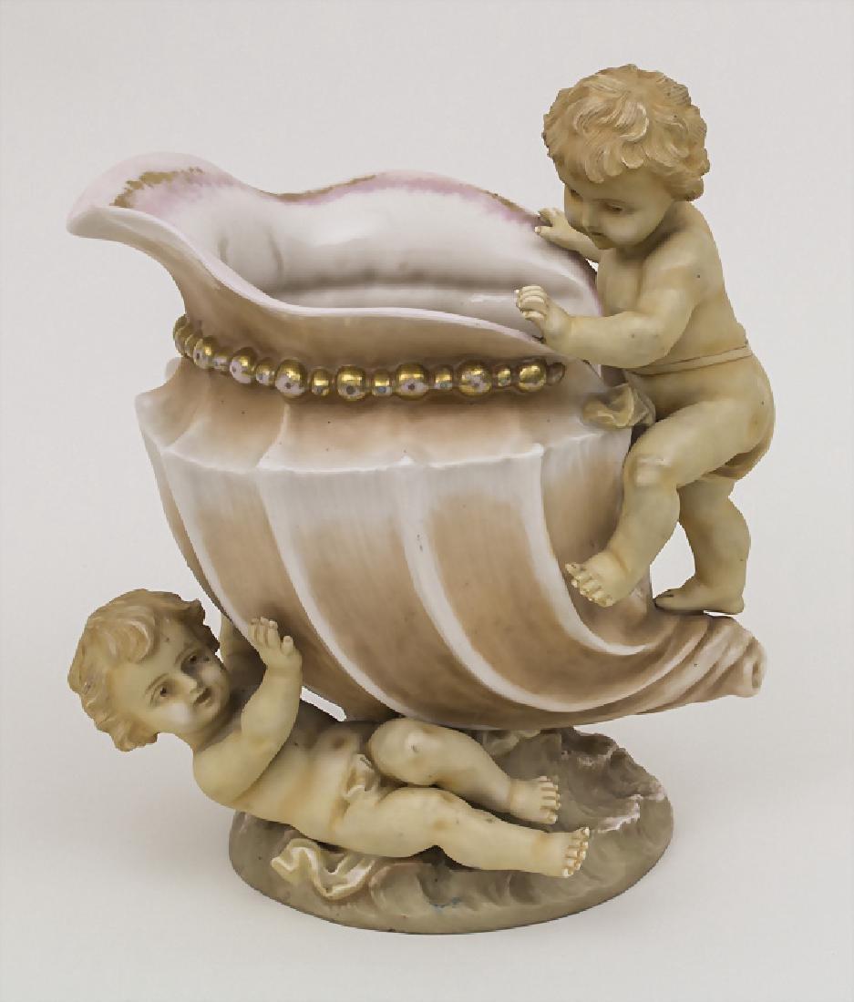 Zierkanne mit Putten / A decorative jug with putti, L.
