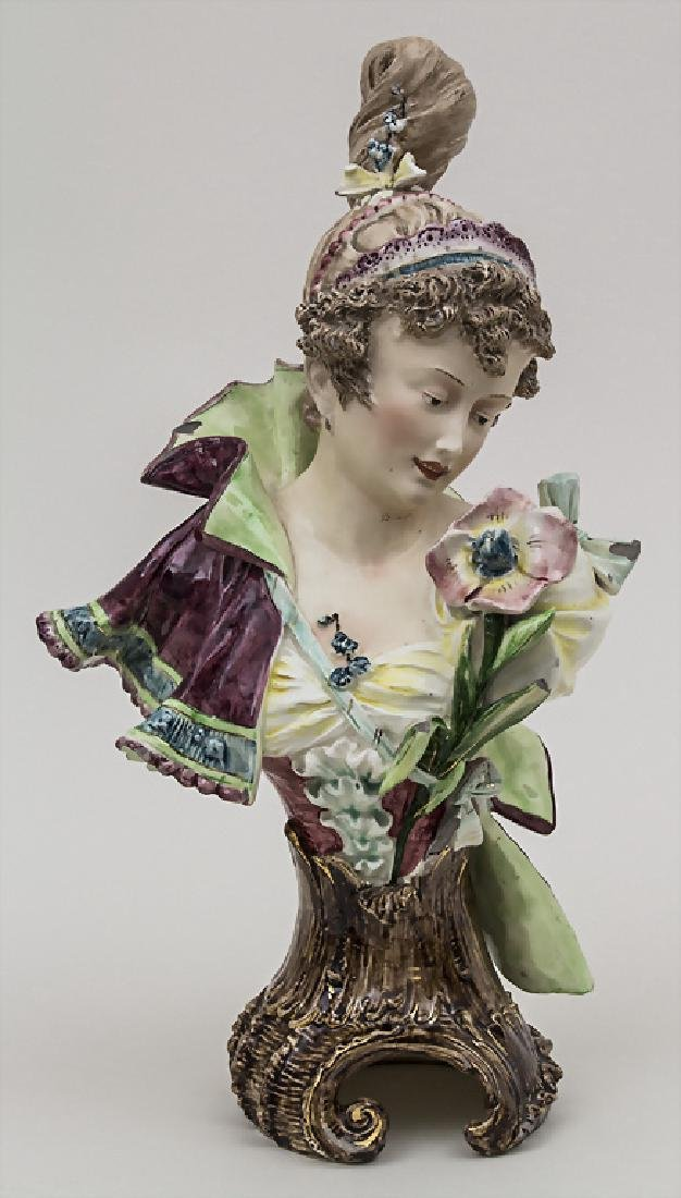 Keramikbüste 'Junge Dame' / A ceramic bust of a young