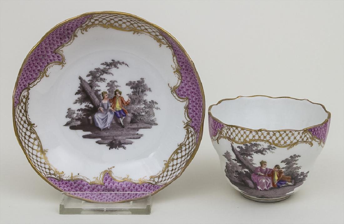 Tasse und Untertasse mit Watteau-Szenen / A cup and