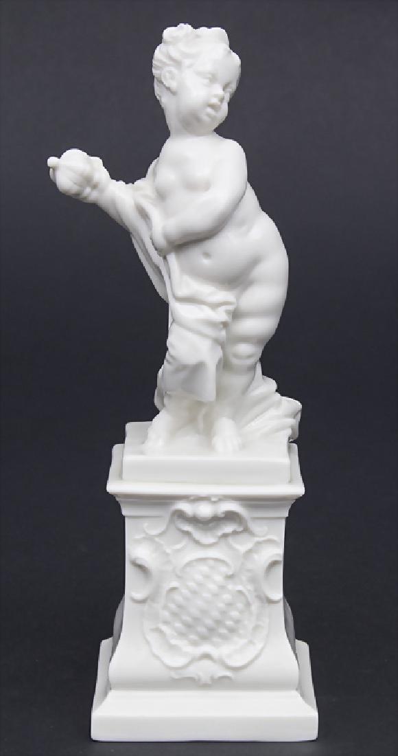 Putto als Pandora mit Büchse des Verderbens / A cherub