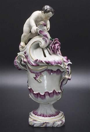 Figürliches Räuchergefäß / A figural potpourri footed