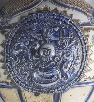Steinzeug Wappenkanne / A stoneware heraldic jug,