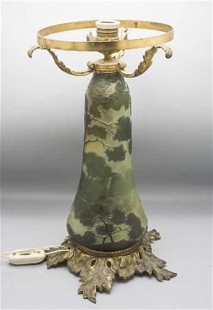 Jugendstil Lampenfuß / An Art Nouveau glass lamp base,