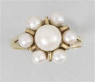 Damenring mit Perlen / A ladies 14k gold ring with