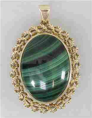 Anhänger mit Malachit / A 14k gold pendant with