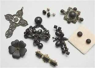Konvolut Trauerschmuck / Convolute mourning jewellery,