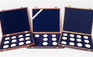 Konvolut aus 31 Medaillen '150 Jahre Orden, pour le