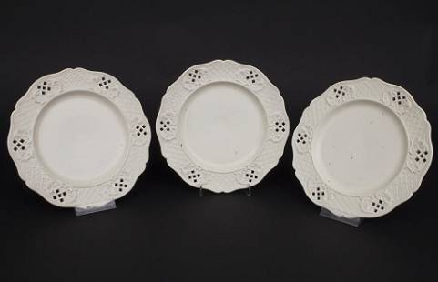 3 Creamware Teller / 3 creamware / pearlware / faience