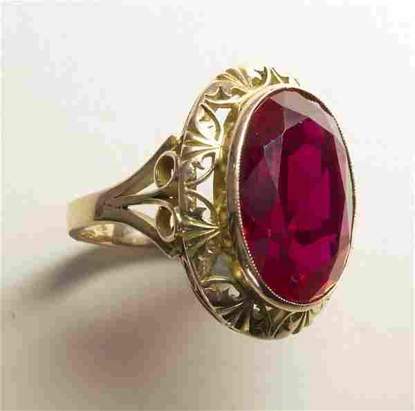 Damenring mit Farbstein / A ladies 14k gold ring with