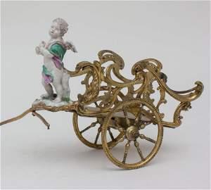 Bronze Kutsche als Weinflaschenhalter mit Putto /