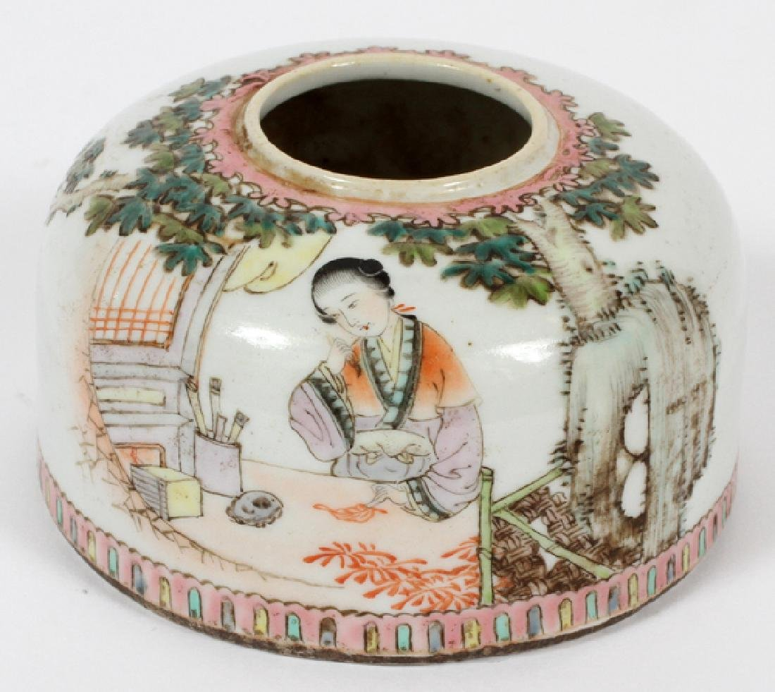 CHINESE HAND PAINTED PORCELAIN INK WELL