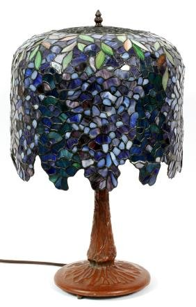 TIFFANY STYLE LEADED GLASS TABLE LAMP