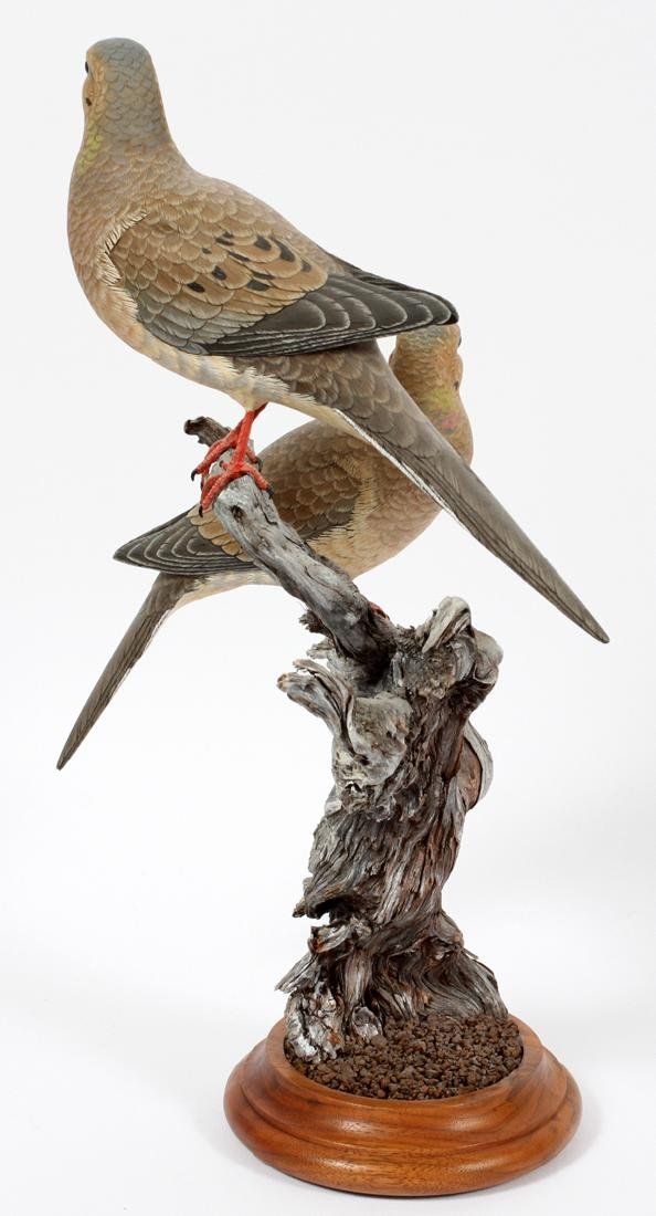 UNKNOWN ARTIST CARVED WOOD BIRD SCULPTURE - 2