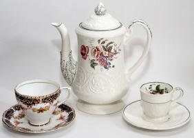 WEDGWOOD & ROYAL STANDARD COFFEE POT CUPS & SAUCERS