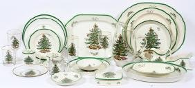 SPODE 'CHRISTMAS TREE' PORCELAIN SERVICE 225 PIECES