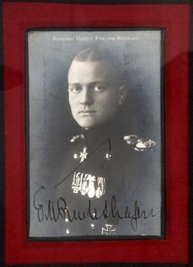 BARON MANFRED VON RICHTHOFEN SIGNED POSTCARD PHOTO