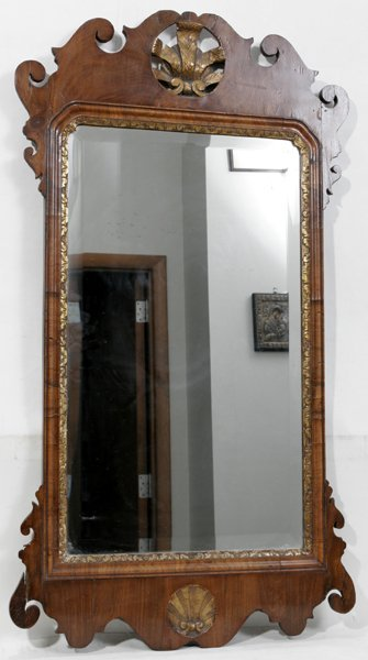080013: AMERICAN ANTIQUE CARVED WALNUT WALL MIRROR