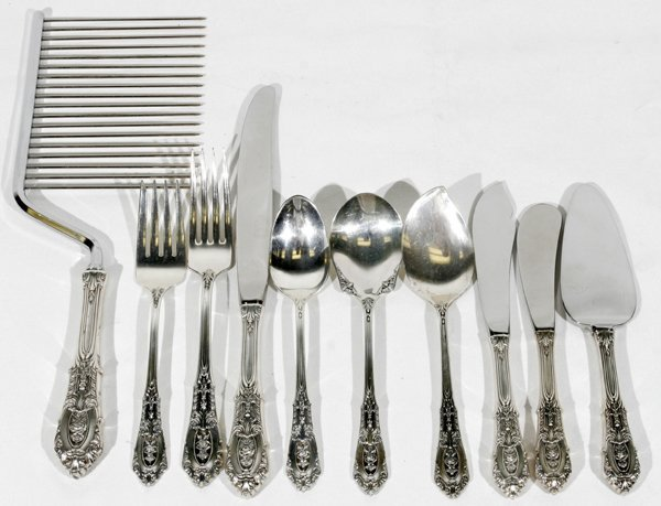 081017: WALLACE STERLING SILVER FLATWARE, 'ROSE POINT'