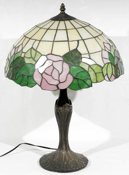 081114: LEADED GLASS & PATINATED METAL TABLE LAMP