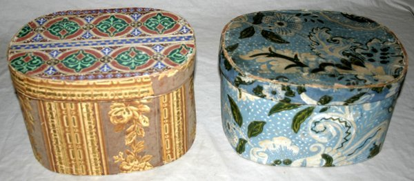 081531: VICTORIAN WALLPAPER BAND BOXES, 19TH C., TWO