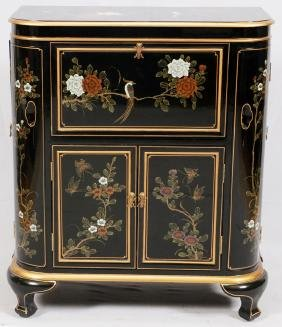 CHINESE BLACK LACQUERED BAR CABINET 20TH C.