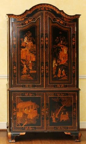 PAINTED AND LACQUERED LIQUOR CABINET