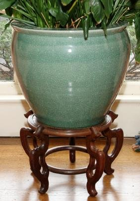 ORIENTAL PORCELAIN CRACKLEWARE JARDINIERE AND STAND