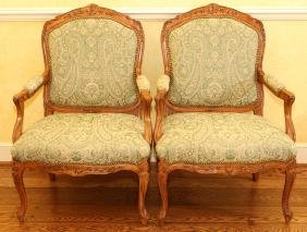 SHERRILL LOUIS XV STYLE CARVED WALNUT ARMCHAIRS