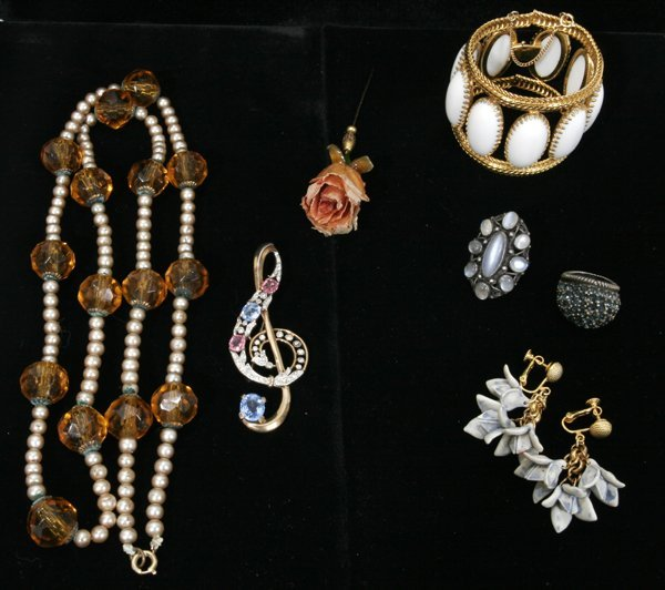"091561: COSTUME JEWELRY 59 PIECES L2.3""-31.8"""