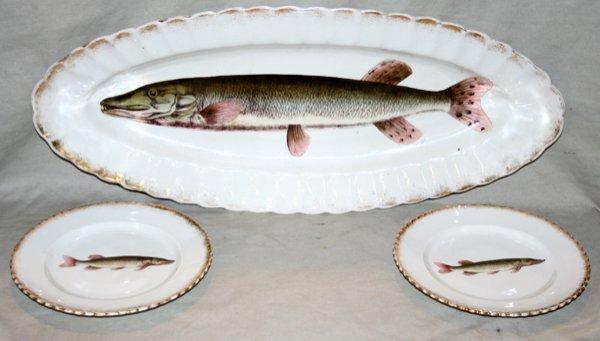 090023: VICTORIA' KARLSBAD PORCELAIN FISH SERVICE