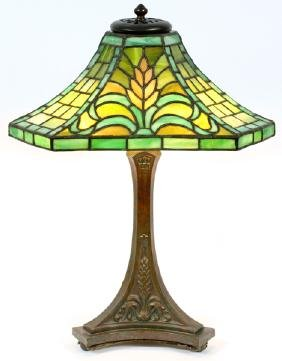 Lot Fine & Decorative Arts, Furniture & Antiques
